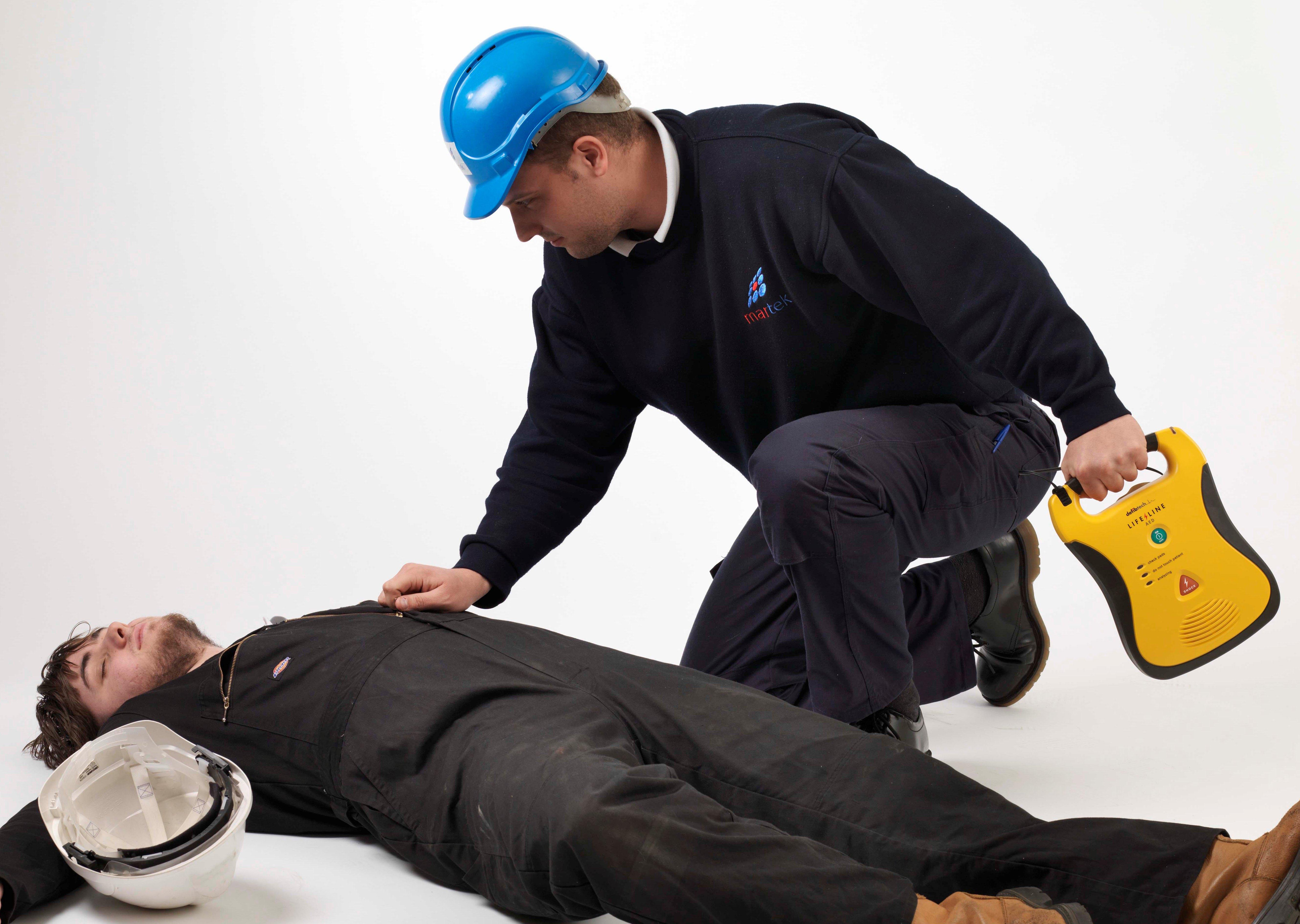 06_Safety_Defibrillator
